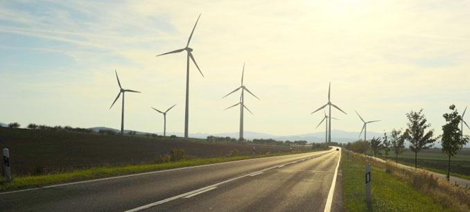 Eine wirklich attraktive Geldanlage ist Windenergie aus dem windigen Flachland Finnlands © joyt (iStock)