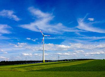 Windenergie ist nur eine von vielen Anlagemöglichkeiten, die Sie auf gruen-versichert.de finden © Rainer Sturm (pixelio.de)