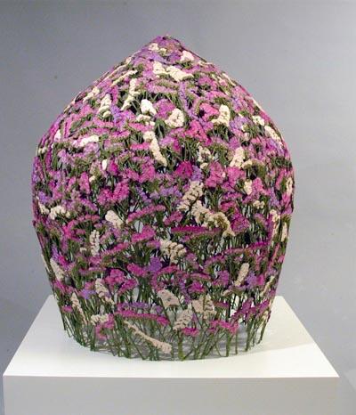 Filigrane Blüten-Skulpturen fürs Haus