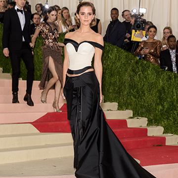 Emma Watson trägt Kleid aus Plastikflaschen