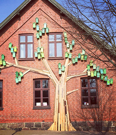 Altes Bauholz wird zu tollen Kunstobjekten
