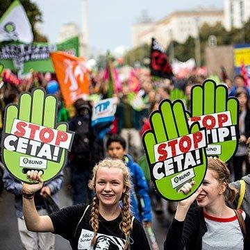 320.000 Menschen demonstrierten: Bundesweite Demos gegen CETA und TTIP