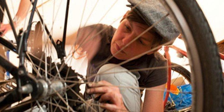 Bike Kitchen: ein Rezept um Fahrräder wieder funktionsfähig zu machen