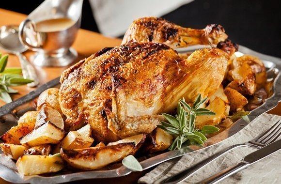 Knuspriger Genuss zu Weihnachten: Weihnachtsmenü mit Oma`s Hähnchen-Rezept