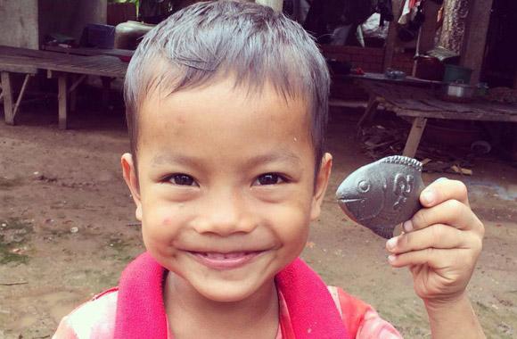 Iron Fish heißt der kleine Eisen-Superheld