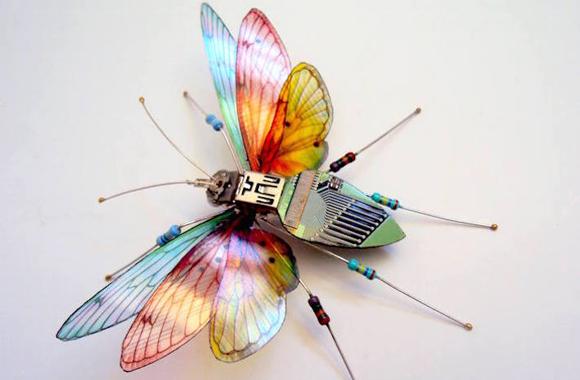 Filigrane Upcycling-Kunst aus Elektroschrott