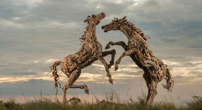 Treibholz Kunst treibholz skulpturen werden kunst james doran webb
