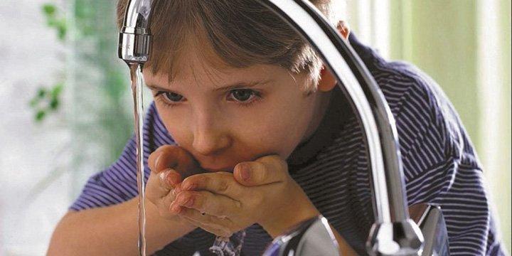 Wasser sparen kann Trinkwasser verunreinigen: Warmwasser & Energie einsparen sinnvoller
