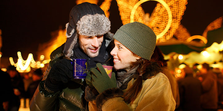 Auf dem Weihnachtsmarkt Traditionen erleben