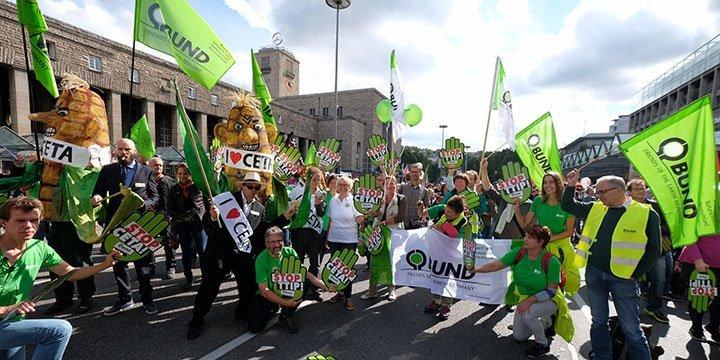 Deutschland demonstriert gegen CETA und TTIP