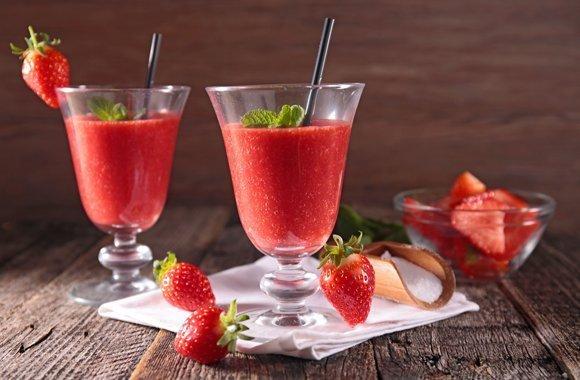 Schlankmacher Smoothie  Aus frischen Erdbeeren