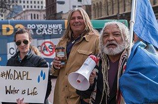 Sioux Indianer kämpfen um Land und Umwelt