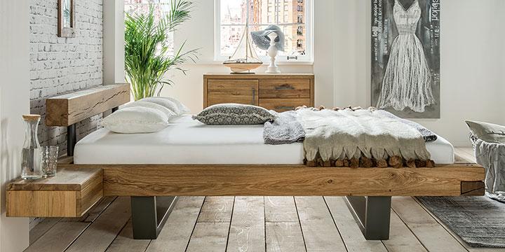 Schwebend entspannen in schlicht-eleganten Betten.