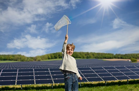 Geld in erneuerbare Energien investieren