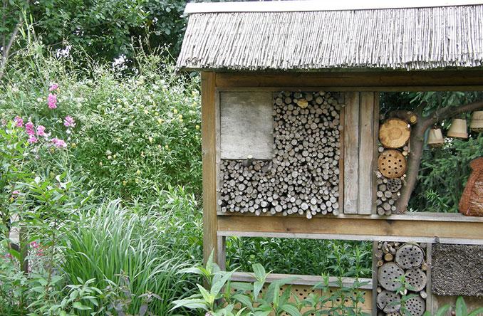 Hochwertig Insektenhotel Im Garten