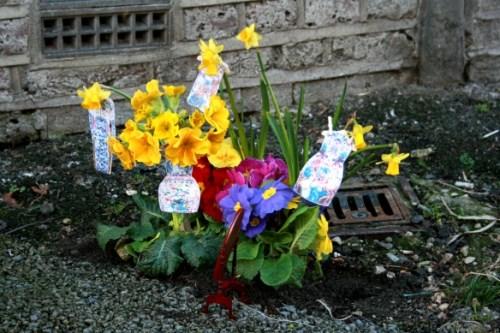 potholegardener: Schlaglöcher werden nachhaltig bepflanzt und zu Kunstwerken.