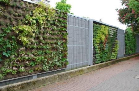 Vertical Gardening: Längste Fassadenbegrünung der Welt für Frankfurt
