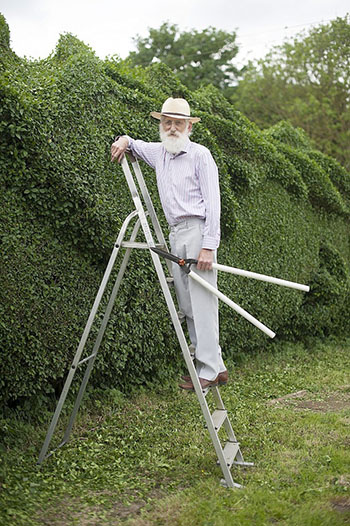 John Brooker bei der fast täglichen Gartenarbeit © Damien McFadden