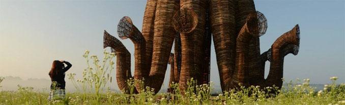 Mitten in Russland sorgt das Kunstwerk vn Nikolay Polissky für ein einmaliges Panorama ©Nikolay Polissky