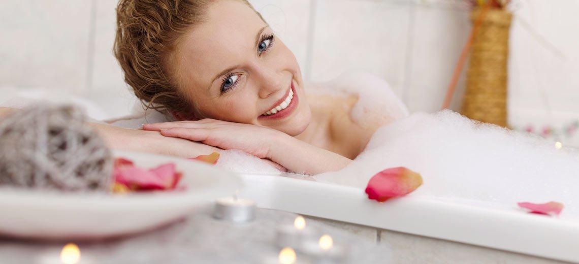 Dieses schnelle Baderitual wäscht negative Energie einfach weg!