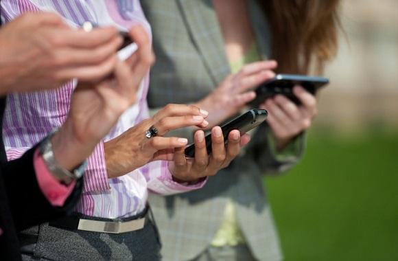Smartphones verursachen Elektrosmog: Symposium in Mainz