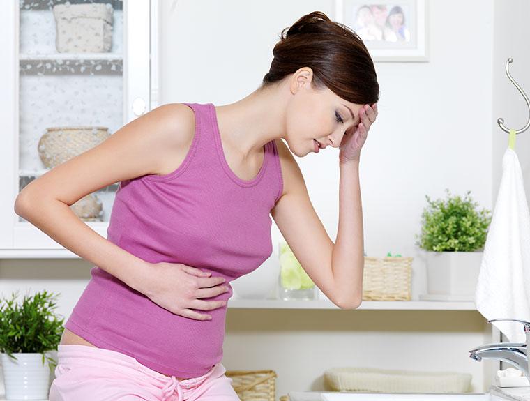 Bei Schmerzen im Darm hilft eine natürliche Darmsanierung.
