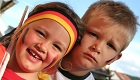 Deutsche Fanschminke für Fußball-Weltmeisterschaft verboten wegen krebserregendem Farbstoff Lackrot