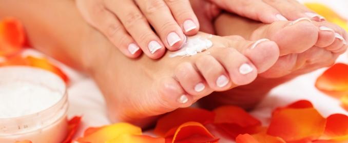 Wärmende Fußsalbe selber machen