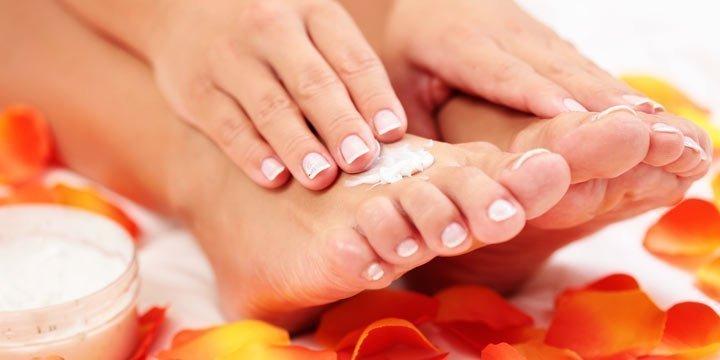 Eisfüße? Diese Salbe hilft gegen kalte Hände und Füße