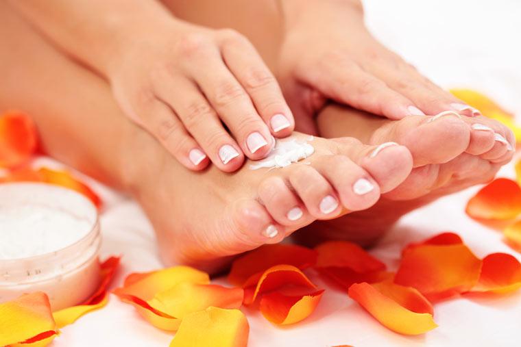 Salbe hilft gegen kalte Hände und Füße