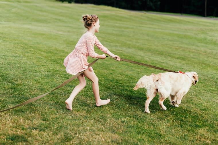 Ist barfuß laufen gesund für Kinder?