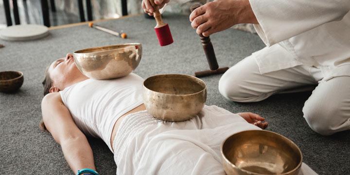 Klangschalen-Therapien: Wie Sie mit dem Gong zur Ruhe kommen