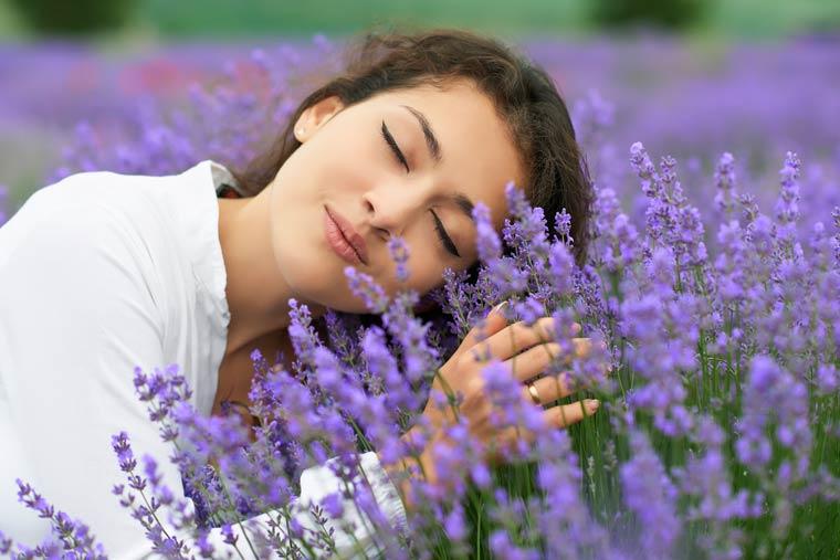 Generelle Angstlinderung und Verbesserung der Schlafqualität durch Lavendel