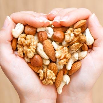 Können Nüsse das Herzinfarkt Risiko senken?