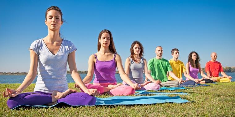 Beim Yoga muss man runterfahren, die Gedanken zur Ruhe kommen lassen, bei sich sein ? und genau das fällt vielen Anfängern erst mal richtig schwer.