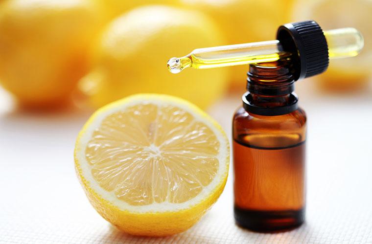 Zitrone als Basis für ein fruchtiges Deo.