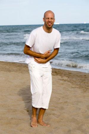 Bauchschmerzen im Urlaub sind keine Seltenheit. Nicht immer spielt die Hygiene eine Rolle ©iStockphoto