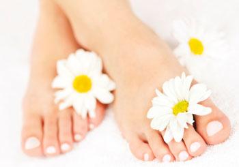 Ein Fußpilz ist durchweg unangenehm. Geruch, Juckreiz und hässliche Rötungen nerven vor allem im Sommer! ©iStockphoto