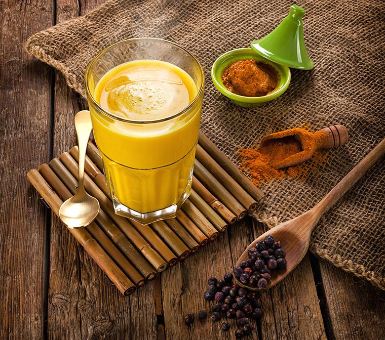 Das Immunsystem stärken mit goldener Milch