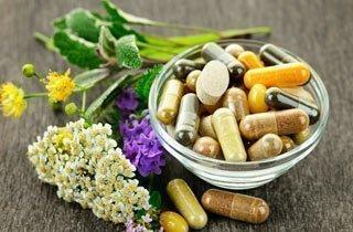 Auch pflanzliche Arzneimittel können Wechselwirkungen haben