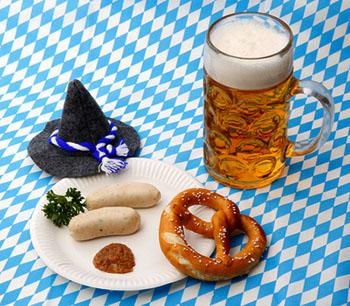 Auf fettige Speisen und alkoholische Getränke sollte unbedingt verzichtet werden © Tim Reckmann (pixelio.de)