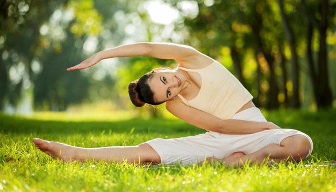 Die Übungen beim Yoga reichen von einfach bis zu komplex © Osuleo (iStock / thinkstock)