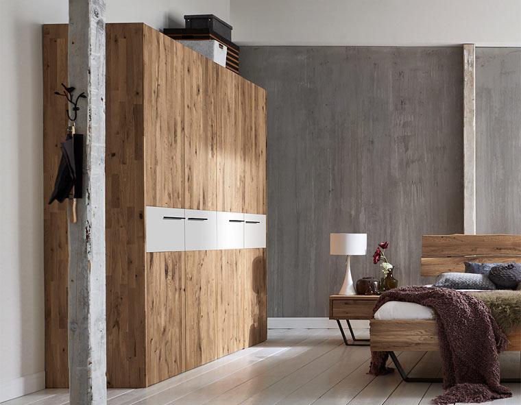 Naturholzmöbel in modernem Design