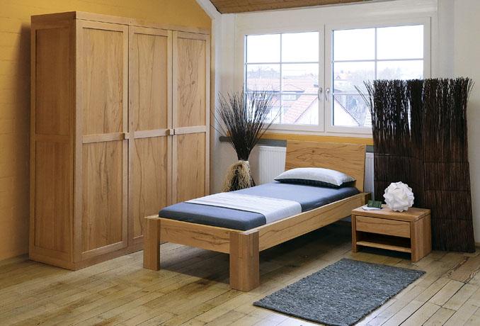 Elektrosmog frei schlafen durch Holz Kleiderschränke im Schlafzimmer