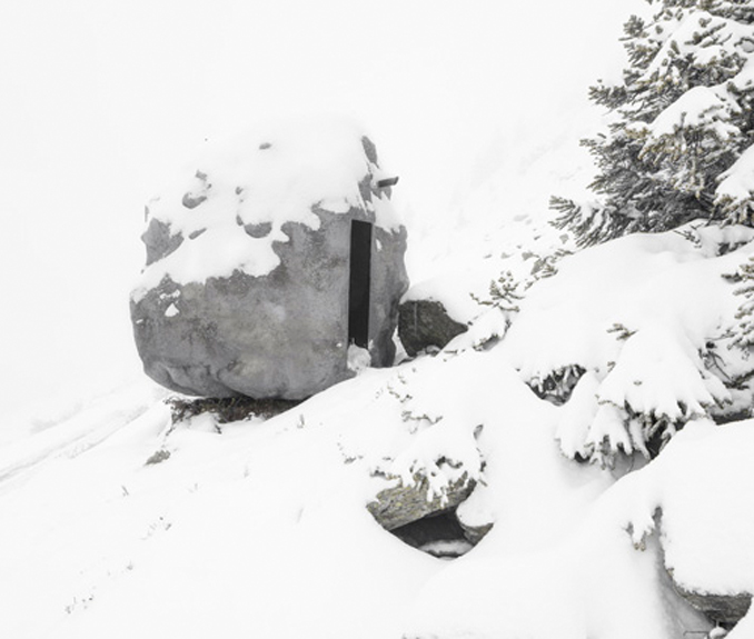 Perfektes versteck Haus sieht aus wie Felsen
