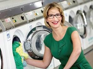 Yvonne Willicks beim waschen