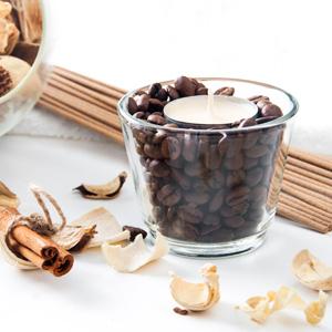 Duftkerze mit Teelicht und Kaffeebohnen