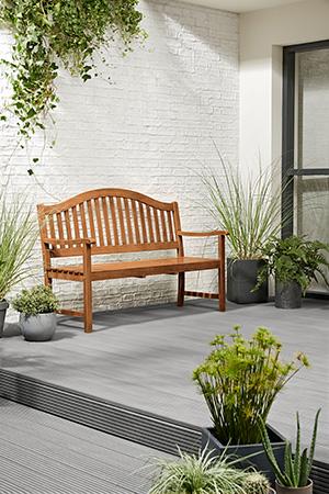 Die Holz-Gartenmöbel von Tchibo bestehen ausschließlich aus FSC-zertifiziertem Holz