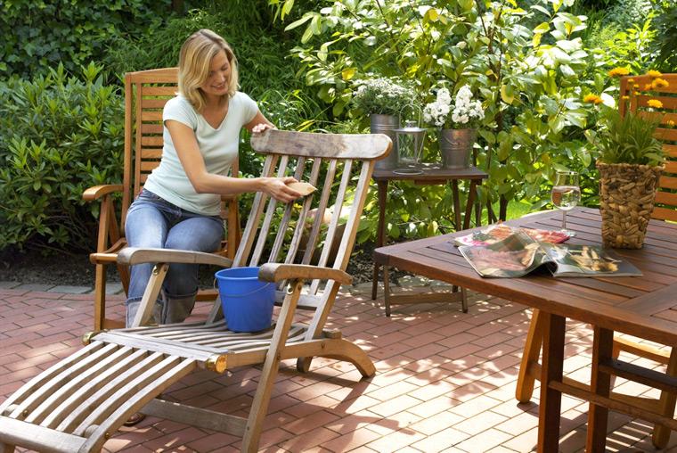 Die richtige Pflege für Gartenmöbel