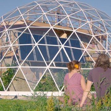 Diese Familie lebt den Traum vom Öko-Haus